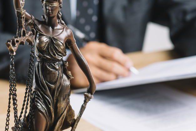Facultatea de Drept – Bucureşti